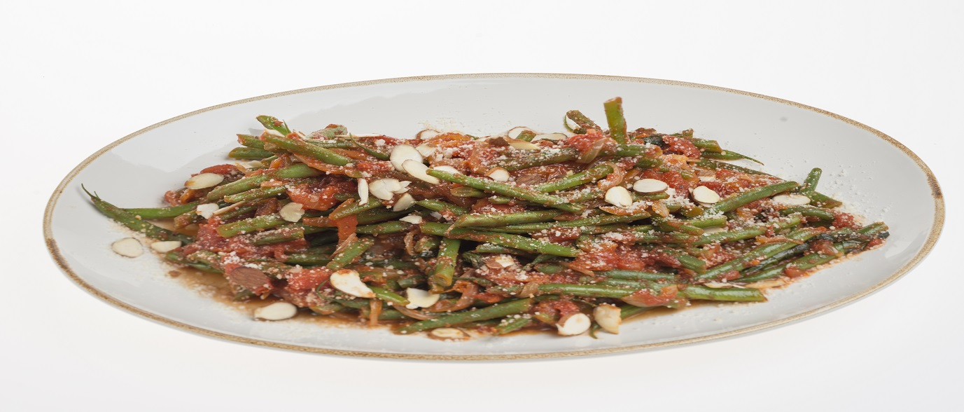 Green Beans with Tomatoes and Sliced Almonds
